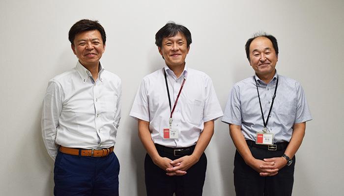 早坂様・小野様・羽方社長 集合写真